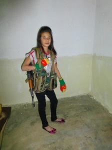 Kurdisches Mädchen, Steigbügelhalter der PKK-Warlords in Syrien