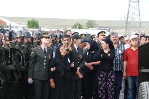Am 10 Mai 2013 wurden zwei Soldaten von der Terrororganisation PKK in Igdir ermordet